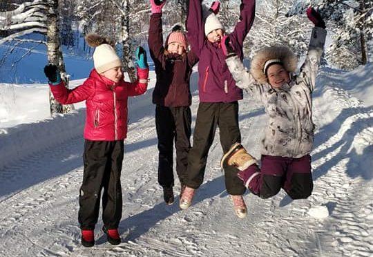 Elise – Vantaan voimistelijat mukana minirinkien ja n-ryhmän valintaleireillä kisakalliossa